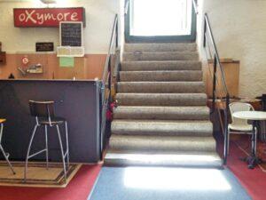 Escalier entrée Oxymore face